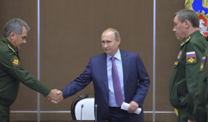 ולדימיר פוטין עם שר ההגנה הרוסי סרגיי שויגו