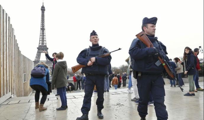 מגדל אייפל סגור, אחרי מתקפת הטרור בפריז