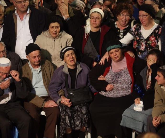 משפחת ליטמן בהלווית יעקב ונתנאל