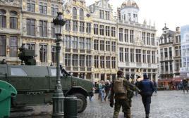 רכב משוריין של צבא בלגיה בגראנד פלאס בבריסל