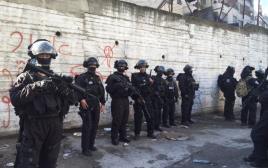 משטרת ירושלים לפני ביצוע הריסת ביתו של המחבל