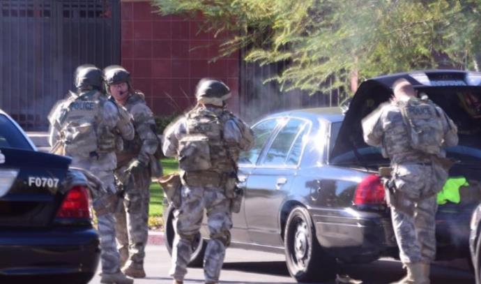 כוחות מתכוננים להכנס לאזור אירוע הירי