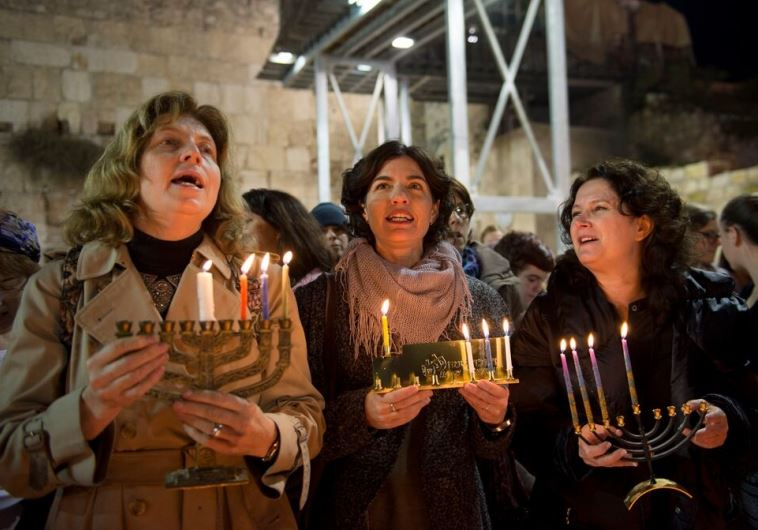 טקס הדלקת הנרות של נשות הכותל: ענת הופמן, תמר זנדברג ומיכל רוזין. צילום: דניאל שטרית