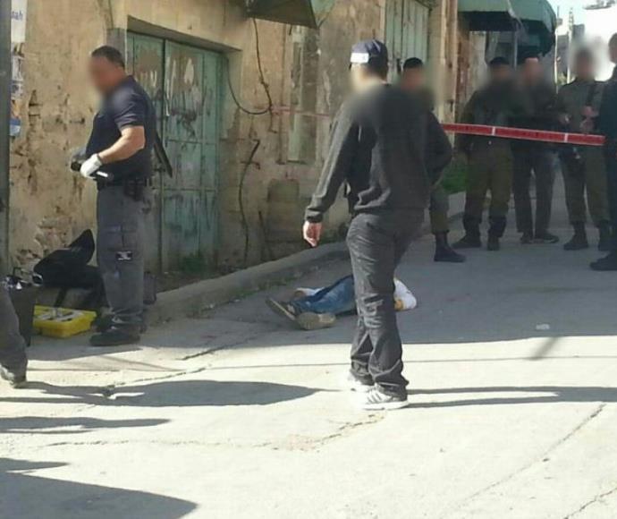 זירת הפיגוע בכניסה לבית הדסה