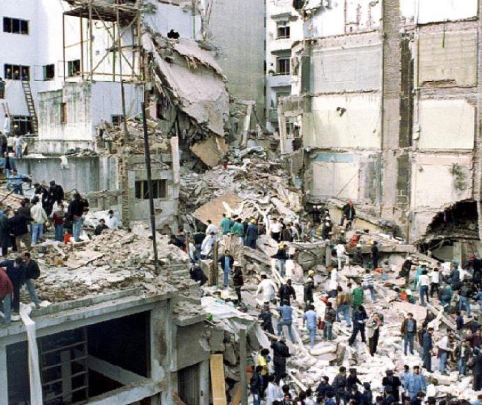 פעולות החילוץ לאחר הפיגוע בבניין הקהילה היהודית בבואנוס איירס