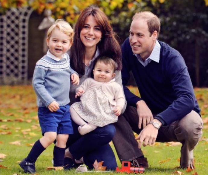 וויליאם, קייט, ג'ורג' ושרלוט בתמונת חג המולד