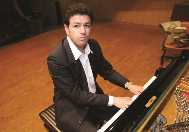 אבס על הפסנתר. צילום: דני מרון