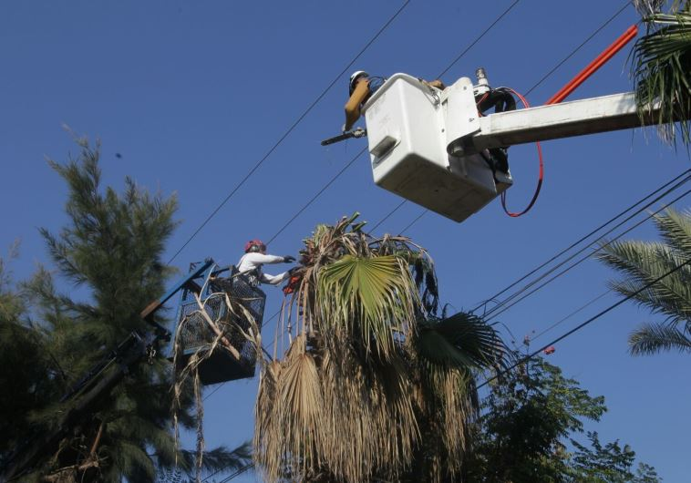 העלאת גנרטורים לאזור צפת. צילום: יוסי וייס, חברת החשמל