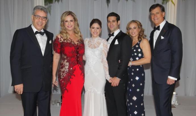 דניאל וטליה פדרבוש עם החתן ג'ארד והכלה שני ודליה ומשה ממרוד