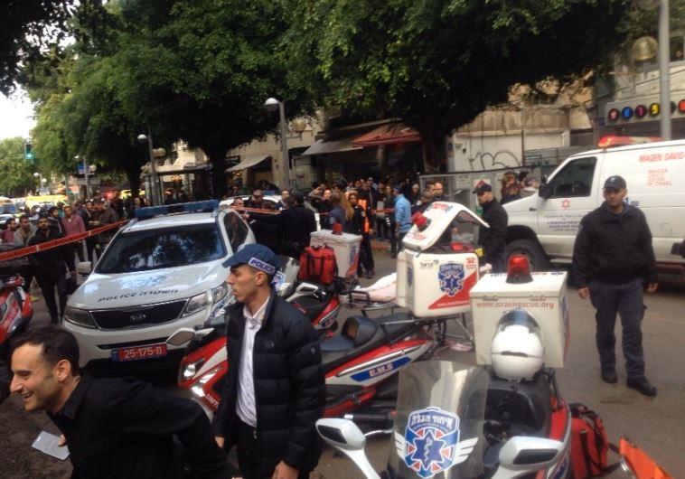 כוחות משטרה בזירת הירי בתל אביב . צילום. אבשלום ששוני