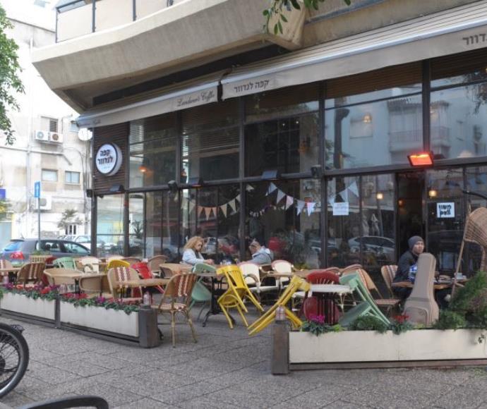 בתי קפה ריקים בתל אביב בעקבות הפיגוע בדיזנגוף