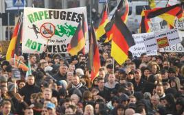 """פעילי תנועת """"פגידה"""" בהפגנה גדולה בקלן"""