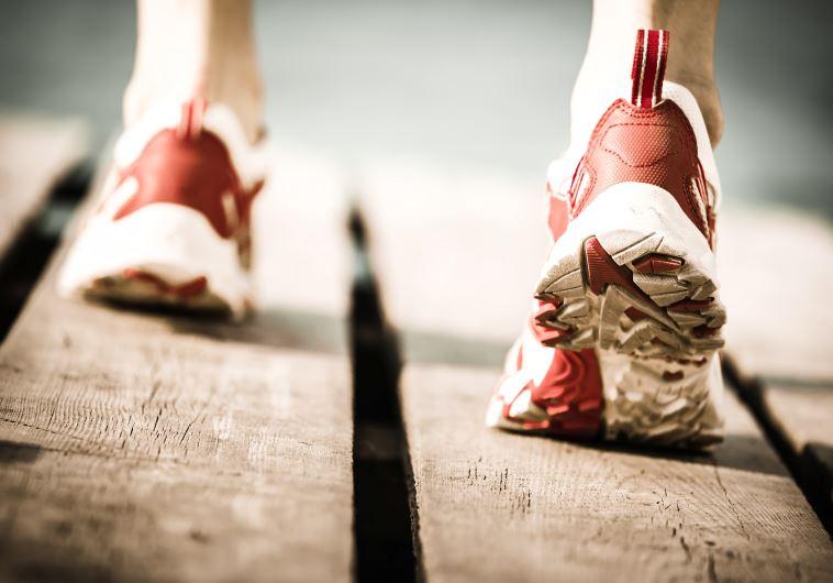 הנעליים שלנו מזוהמות יותר ממה שנדמה לנו. אילוסטרציה: אינגאימג