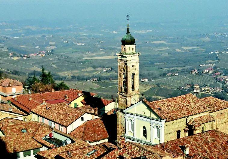 המצפה של מחוז לאנגה באיטליה