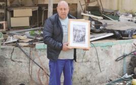 מאיר לוי במתחם שבו היה קפה נח