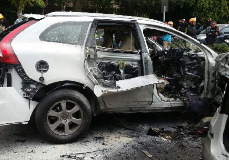 פיצוץ הרכב על גבול רמת גן -תל אביב. צילום: חטיבת דובר המשטרה