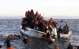 חילוץ פליטים שטבעו ליד חופי יוון, ארכיון