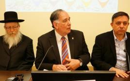 ליצמן, גבי ויהב בכינוס של מועצת חיפה על הזיהום