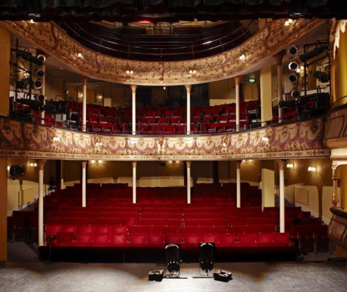 תיאטרון, אילוסטרציה