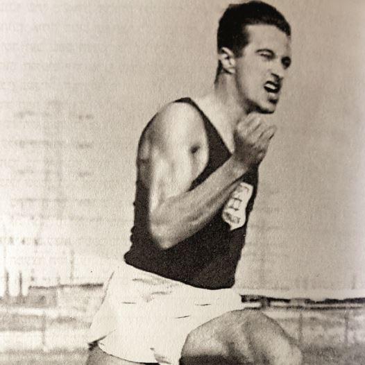 גבאי בימיו כספורטאי, רפרודוקציה: אריאל בשור