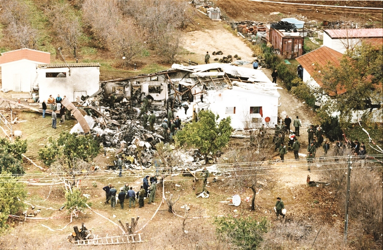סיבת התאונה נותרה תעלומה. אסון המסוקים, 1997. צילום: יוסי אלוני