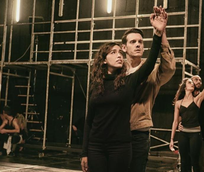 סיפור הפרברים, עידו רוזנברג (טוני) לצד משי קליינשטיין (מריה)
