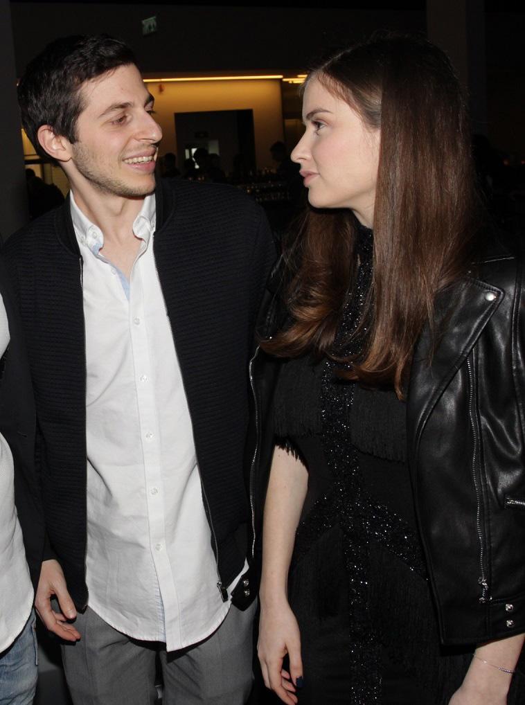 לא כוכב הריאליטי הטיפוסי. גלעד שליט ובת הזוג (צילום: רפי דלויה)