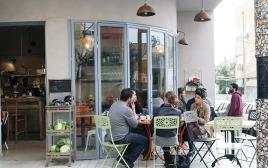 צילום אילוסטרציה, בית קפה, טליה לוין