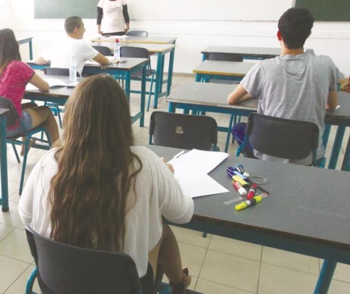 בחינות בבית ספר תיכון