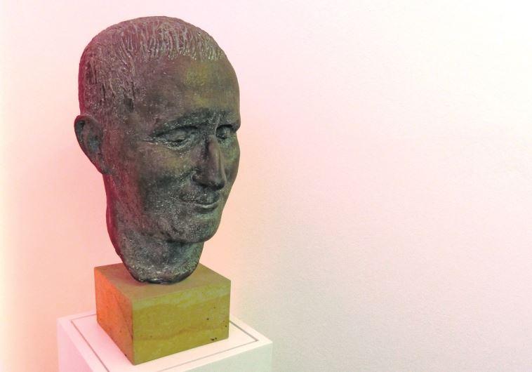 פסל של ברכט. גם פסטיבל על שמו יש. צילום: תלמה אדמון
