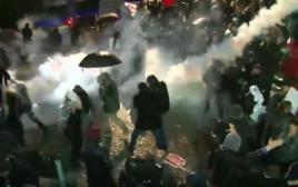 מהומות בפתח משרדי מערכת זמאן