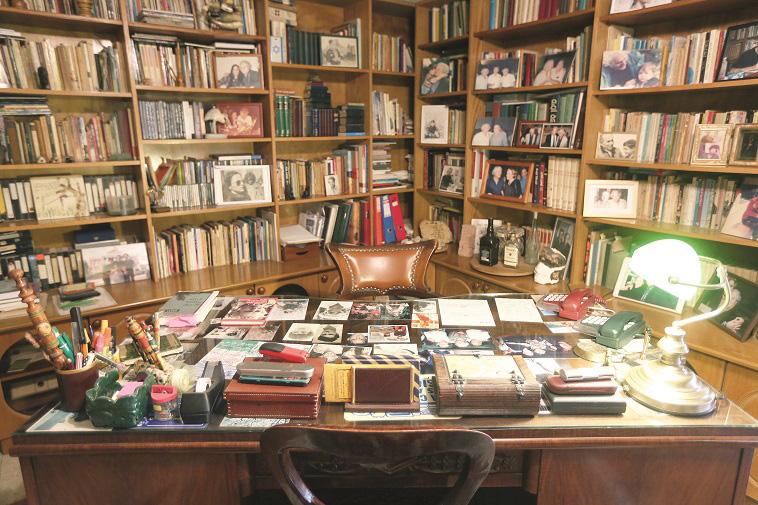חדר העבודה של נתן יונתן, כיום. צילום: אריאל בשור