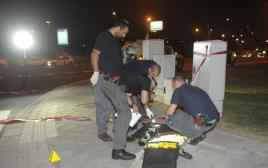 שוטרים בזירת פיגוע הדקירה ביפו