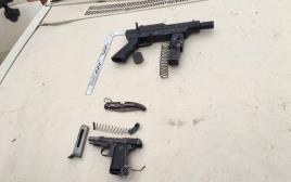 כלי הנשק של המחבלים בפיגוע הירי והדריסה בקרית ארבע