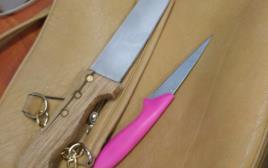 הסכינים מהפיגוע במעבר הזיתים בירושלים