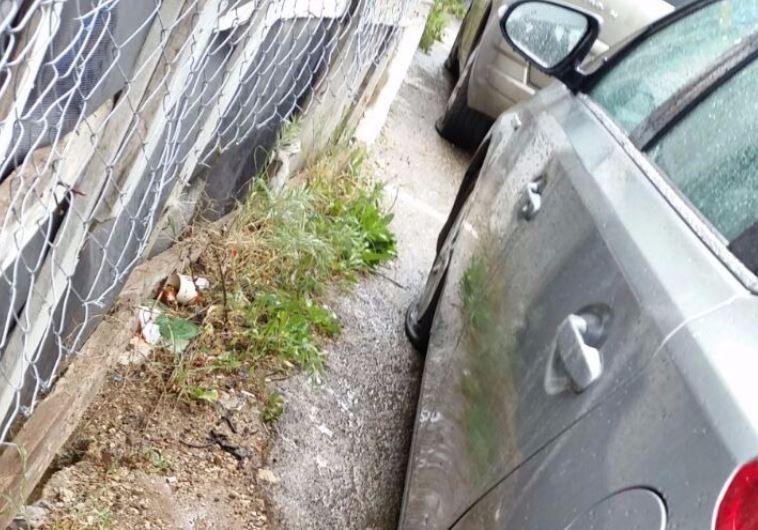 מכוניתה של חברת הכנסת רחל עזריה. צילום: ללא קרדיט