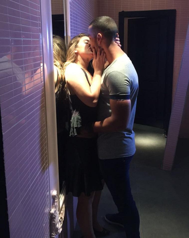 כן, הוא שרד את הנשיקה הזאת