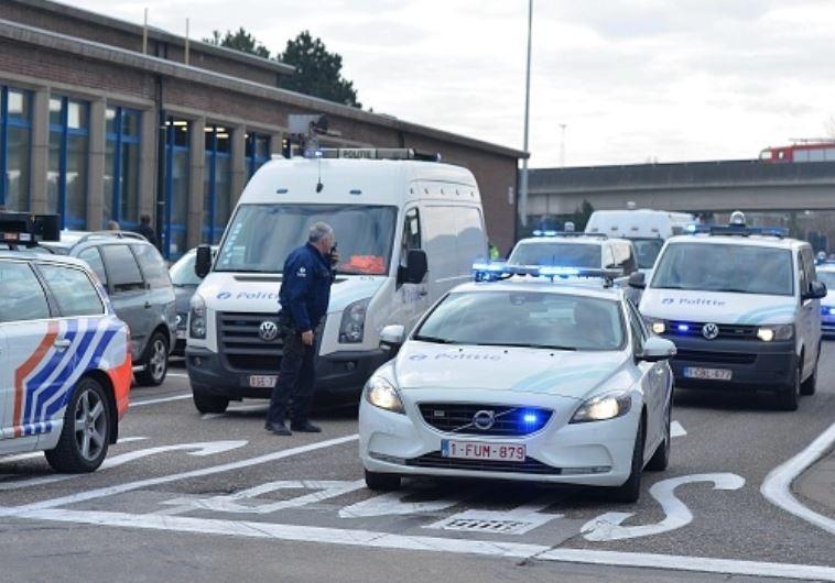 כוחות הביטחון בשדה התעופה בבריסל. צילום: Getty images