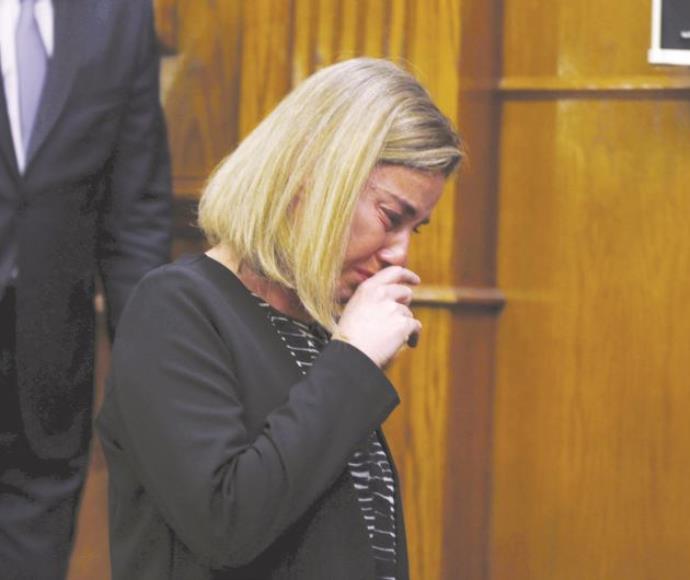 שרת החוץ של האיחוד האירופי, פדריקה מוגריני, בוכה בעקבות מתקפת הטרור בבריסל