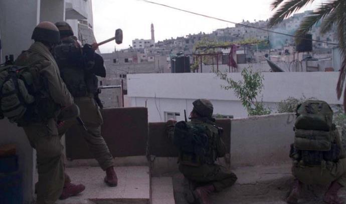 """חיילים בג'נין במבצע """"חומת מגן"""""""