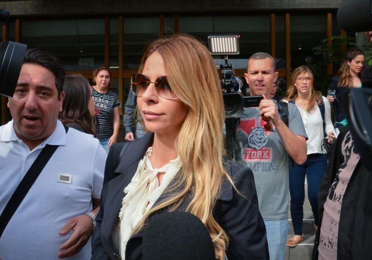 ענבל אור ביציאה מבית המשפט המחוזי בתל אביב. צילום: פלאש 90