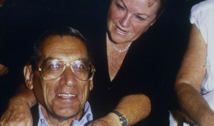 רחבעם זאבי (גנדי) עם אשתו יעל