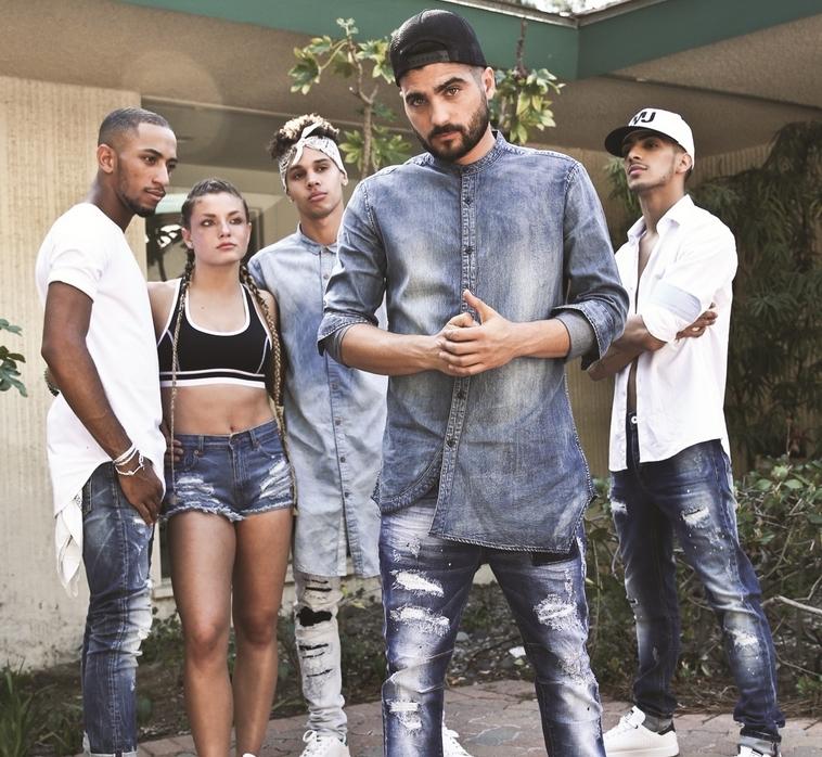 קולקציה שמתאימה למנעד רחב של גברים. מאניה ג'ינס