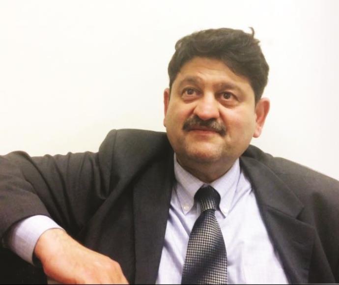 חאמד אל־שריפי, דיפלומט עיראקי