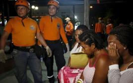 צוותי חילוץ באקוודור