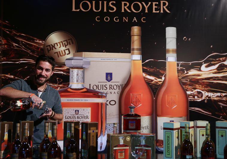 התחיל בשוק הוויסקי, המשיך לייצור היין ועכשיו גם קוניאק כשר. צילום: מירי צחי
