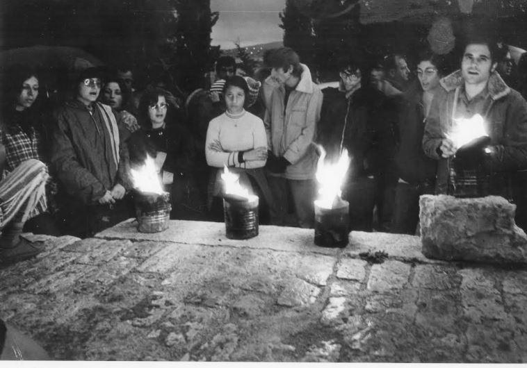 הדלקת נרות בסבסטיה. צילום: שעיה סגל