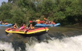 קיאקים בנהר הירדן