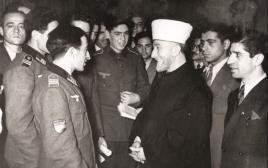חאג' אמין אל-חוסייני וקצינים וחיילים נאצים בברלין, 1944