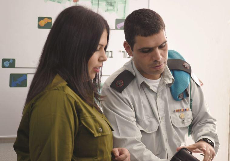 """זו הפעם הראשונה שלא רציתי לעזוב את הצבא. הפעם הראשונה שרציתי לתת, לתרום, להתנדב. צילום: ספיר כהן, דו""""צ"""